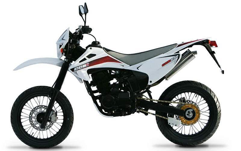 CCM CXR230E (2009-10)
