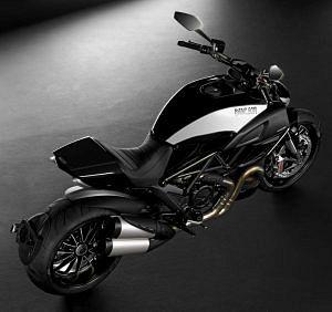 Ducati Diavel Cromo Limited Edition (2012)
