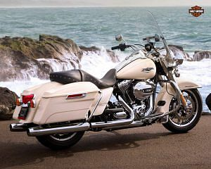 Harley Davidson FLHR Road King (2015)