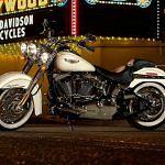 Harley Davidson FLSTN Softail Deluxe (2015)