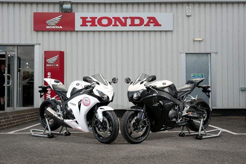 Honda CBR1000RR Fireblade TT Tri (2010)