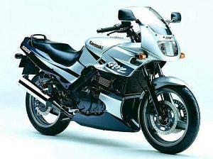 Kawasaki GPZ500S (2003-04)