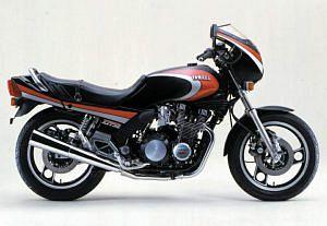Yamaha XJ750E (1983)