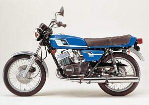 Yamaha RD250 (1977)